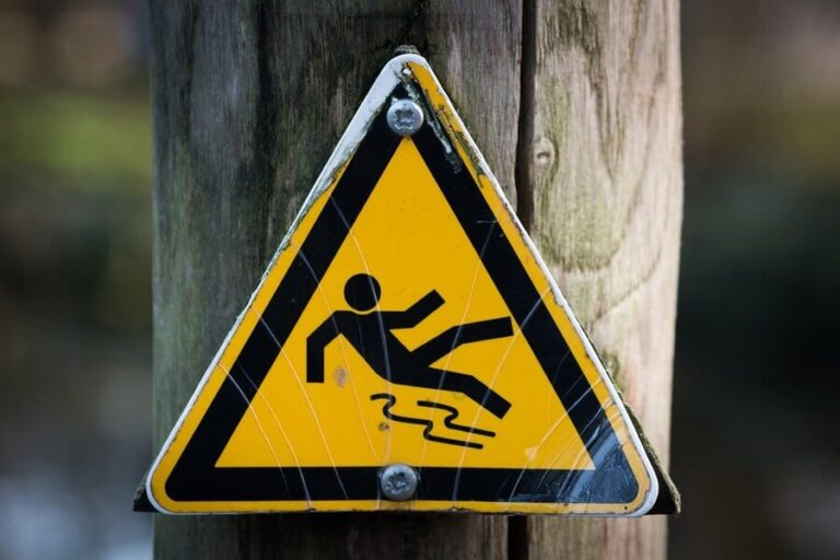 risk of falls sign